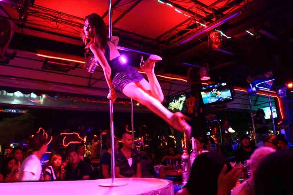 лучшие бары Go Go в Пхукете, Таиланд