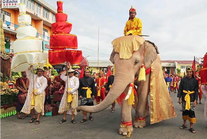 Белый слон - священное животное и символ Тайланда