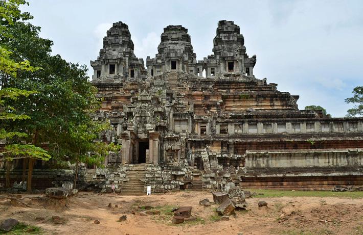 Древний город Ангкор, храм Такео