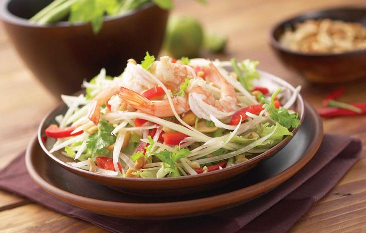 Сом Там — салат из зеленой папайи с креветками