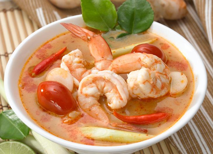 Том Ям Кунг — острый суп с креветками и кокосовым молоком