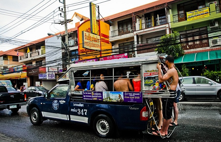 Тук-тук (сонгтео) в тайланде