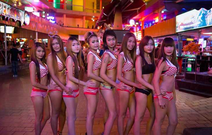 bar harbor single asian girls A very young looking blond (who would make roman polanksi nervous) and a cute asian girl (possibly thai - after hearing her talk) would i come back - i wouldn't mind - it was very entertaining just to see everything that was going on around me, from the pregnant strippers to possibly retired gangsters with walkers.