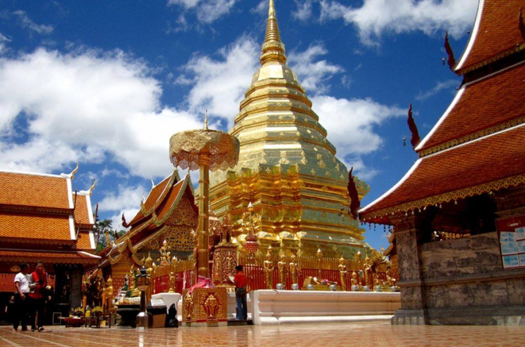 Храм Ват Прахат Дой Cутхеп в Таиланде