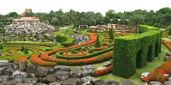 Тропический парк сад Нонг Нуч в Тайланде