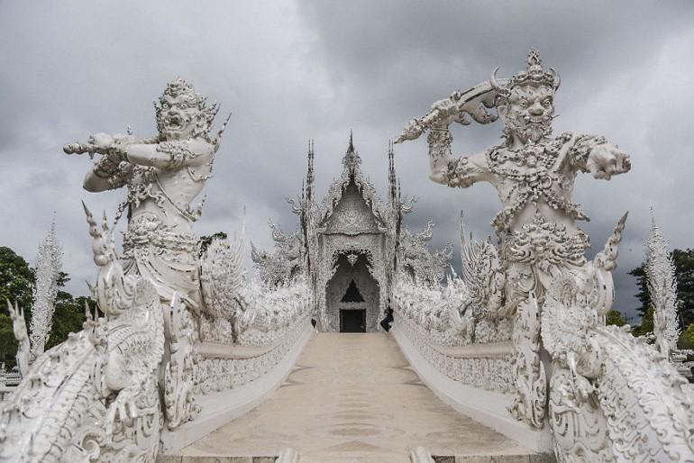 Мост храма Wat Rong Khun
