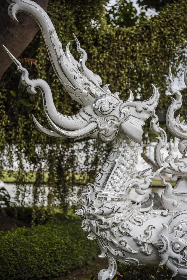 Скульптуры в храме Wat Rong Khun