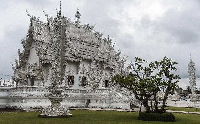 Wat Rong Khun - белый храм Таиланда
